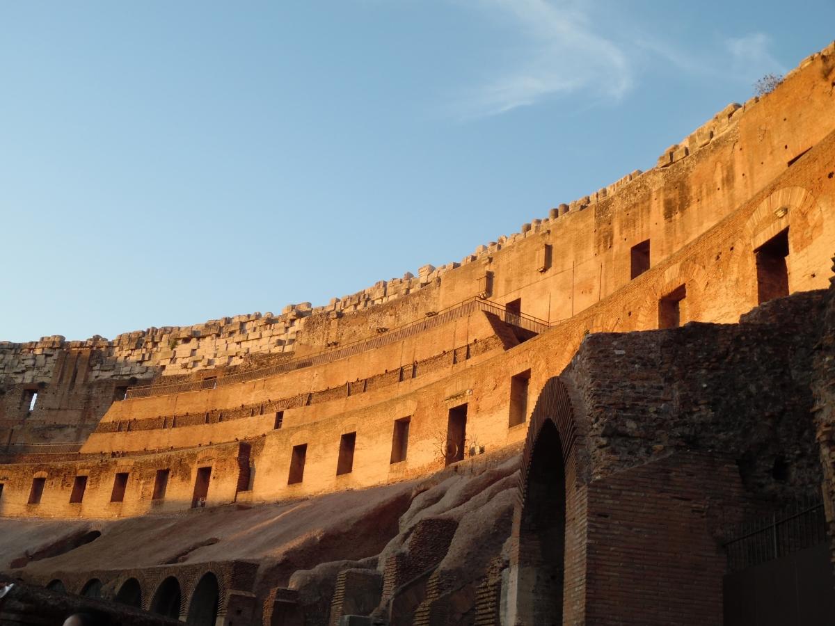 Inside Colisée de Rome