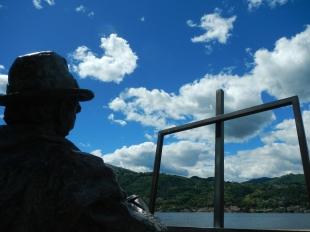 Statue peintre Orta