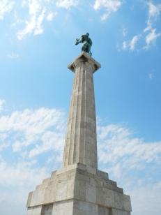 pobednik-statue-vainqueur