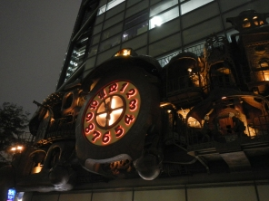 ni-tele-very-big-clock-miyazaki-shiodome-tokyo