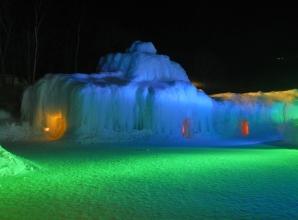 sounkyo-ice-fall-festival-grotte
