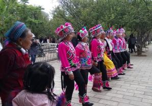 kunming-yi-danse-lac-vert