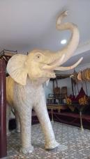 elephant-palais-royal-phnom-penh